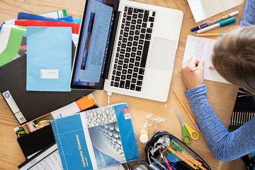 世界から周回遅れ? 日本の家庭のオンライン学習環境