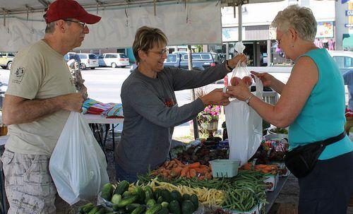 地元の小規模な食料業者に投資を~広がるスロー・マネー運動