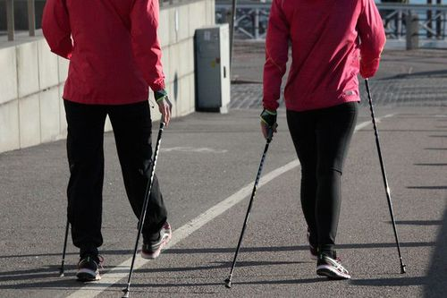 楽しく歩いておトクに健康増進~健幸ポイントプロジェクト