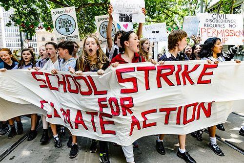 世界で初めての青少年による一斉気候ストライキ、125ヶ国の150万人以上が参加~山本良一先生のスライド