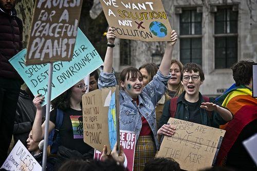 英国議会も気候非常事態宣言!